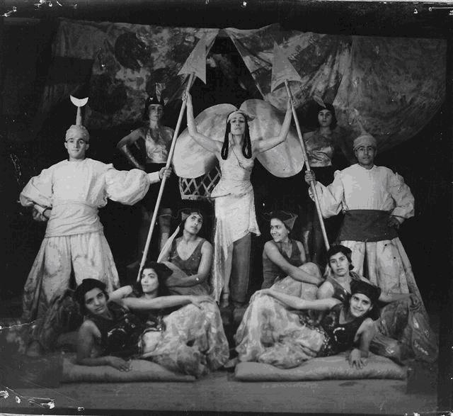 Plate 2: Rina Nikova and her Corps de Ballet in Russalka.