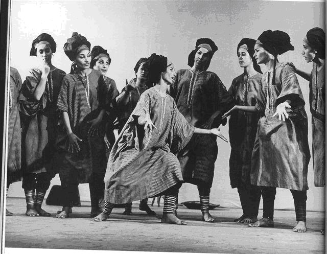 Plate 5: Women, 1957, choreographed by Sara levi-Tanai for Inbal Dance Theatre.