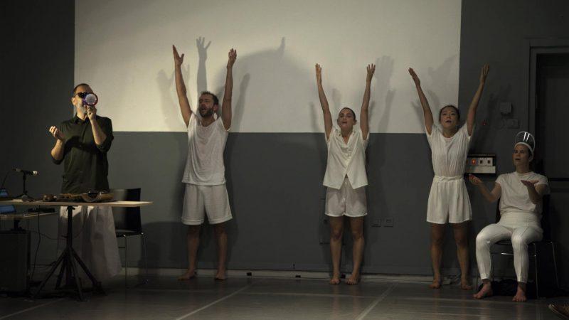 גוף, סאונד והמרחב שביניהם: 'רקונטו-קון' של נועה צוק ואהד פישוף